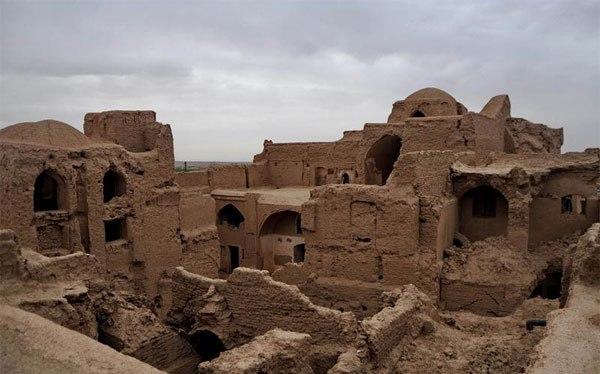 تنها قلعه مسکونی در روستایی با قدمت دوهزارساله!