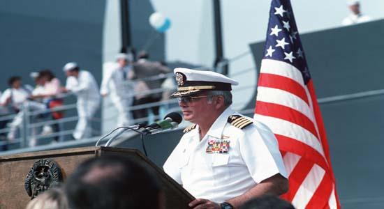 مدال افتخار بر سینه ژنرال آمریکایی؛ به چه قیمتی/ رستگاری به وقت آسمان + تصاویر