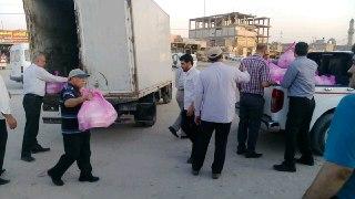 توزیع بستههای رمضانی میان خانوادههای ایرانی در کربلا