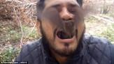 باشگاه خبرنگاران -مرد محیط زیست دو خفاش زنده را در دهانش گذاشت +تصاویر