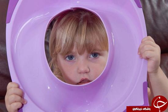 ماجرای دختر بچهای که با سر داخل توالت رفت +تصاویر