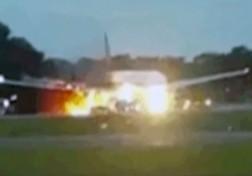 باشگاه خبرنگاران - آتشسوزی هواپیما مسافربری در آسمان + فیلم
