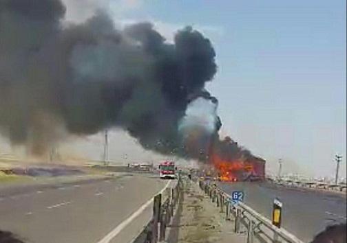 انفجار تریلی حامل مهمات در نزدیکی قزوین دو مجروح بر جای گذاشت+ تصاویر و فیلم