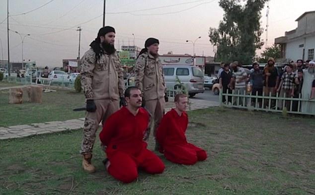 اعدام وحشیانه دو مرد به دست داعش در مقابل دیدگان کودکان/ فرانسه بار دیگر تهدید شد+ تصاویر