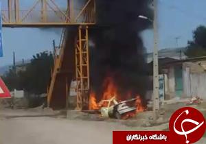 شهروندخبرنگار:برخورد سمند با پل هوایی باعث آتش سوزی شد + فیلم
