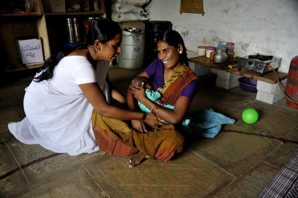 تغذیه کودک با شیر مادر چه فوایدی برای هر دو طرف دارد؟