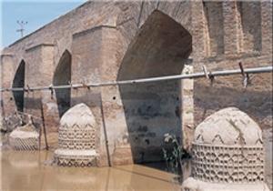 پل تاریخی آققلا در آستانه نابودی + فیلم