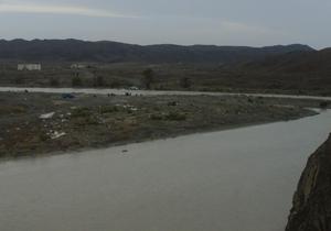 بسته شدن راه 72 روستا با پر آب شدن رودخانه جگین + فیلم