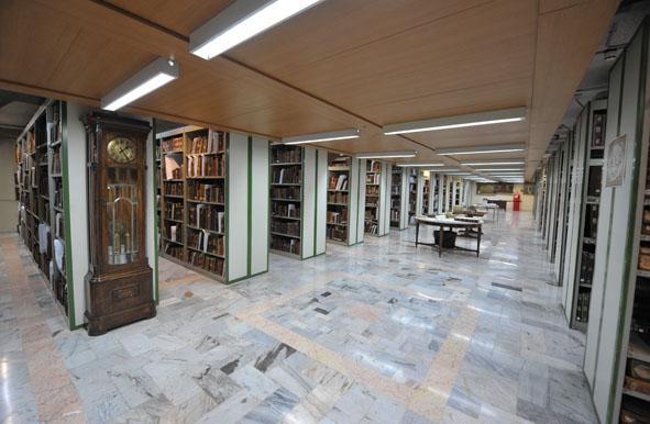 نمایش نسخه های خطی و چاپ سنگی قرن یازدهم در کتابخانه مرکزی آستان قدس رضوی