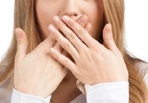 بوی دهان، نوع بیماری را بازگو میکند! + اسامی بیماریها