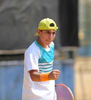 یک نوجوان گیلانی به تیم ملی تنیس دعوت شد