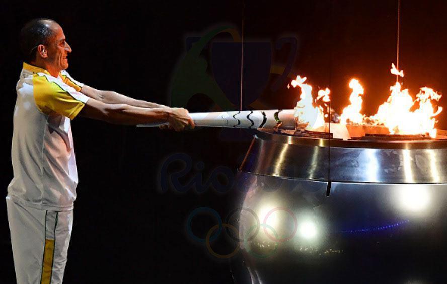 مشعل المپیک روشن شد + تصاویر