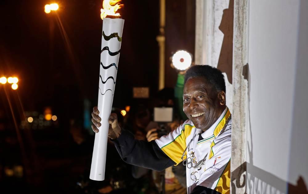مشعل المپیک ریو  به موزه پله رسید