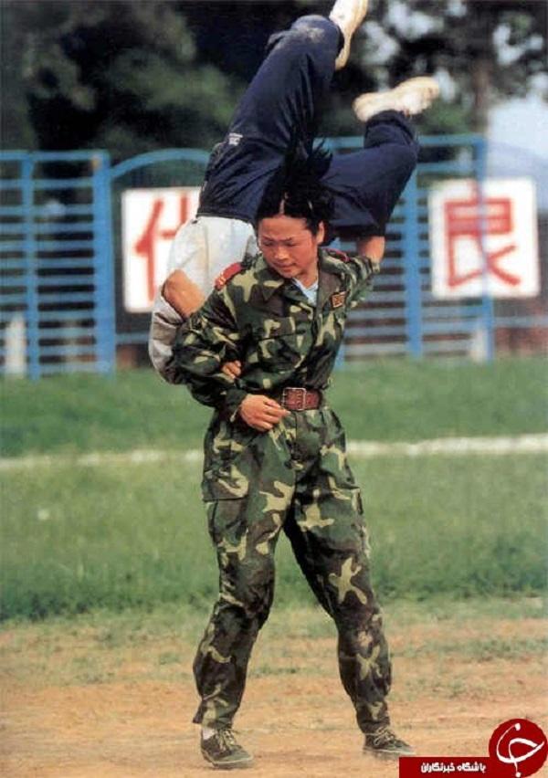 تمرینات طاقت فرسا و خشن ارتش زنان چین+تصاویر