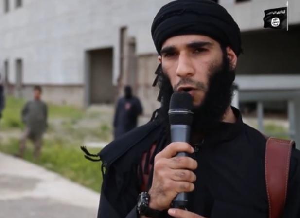 انتشار ویدئوی منزجرکننده جدید داعش/ اعدام وحشیانه مردی به اتهام همجنسگرایی+ تصاویر