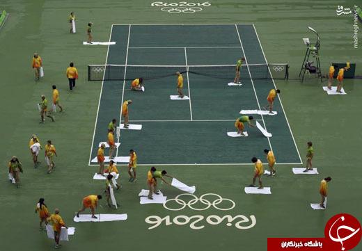 عکس/ خشک کردن زمین تنیس به سبک برزیلیها