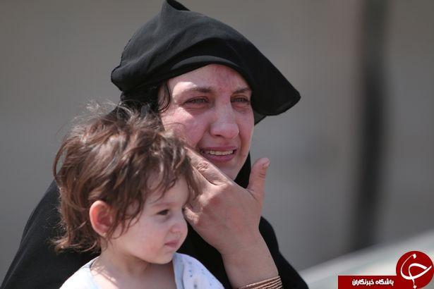 شهروندان سوری رهایی از چنگال داعش را جشن گرفتند / از سوزاندن نقاب تا کوتاه کردن ریش! + تصاویر