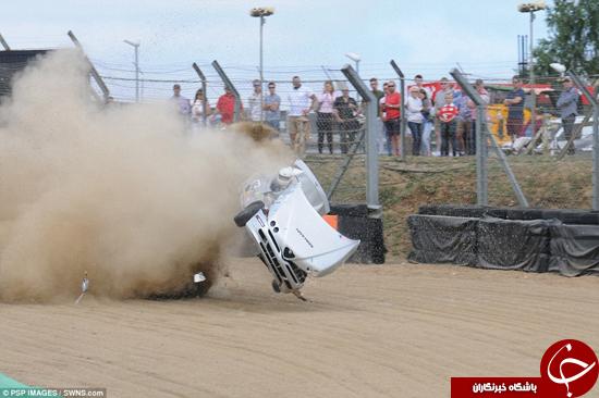 لحظه وحشتناک چپ کردن ماشین در مسابقه +تصاویر