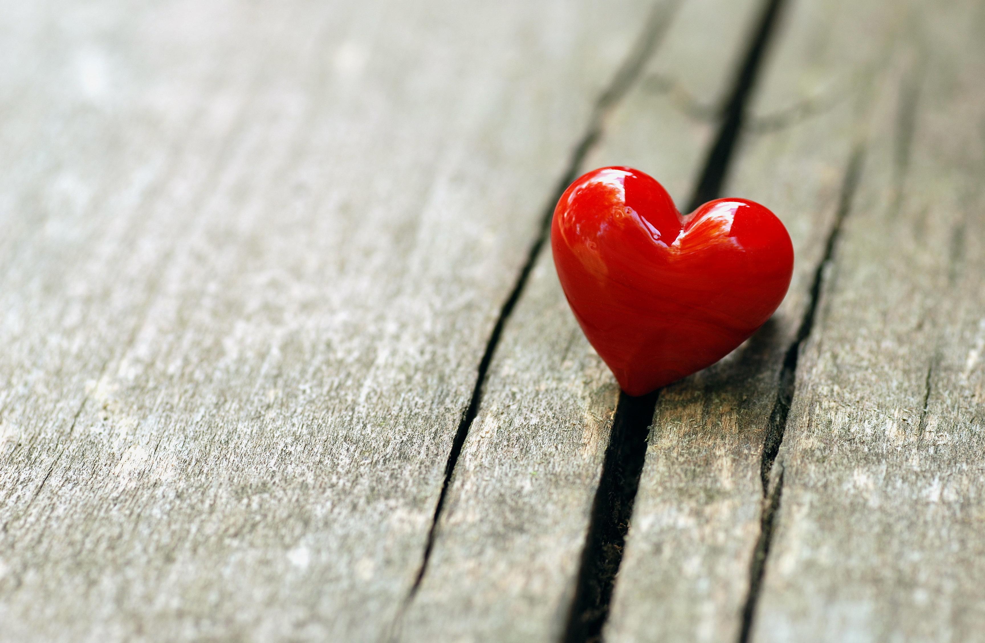 انجام این 8 کار درست به اندازه خیانت رابطه را در هم میکوبد
