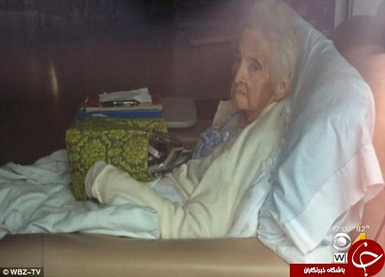 بیتوجهی پرسنل بیمارستان به مادر بزرگ 86 ساله +تصاویر
