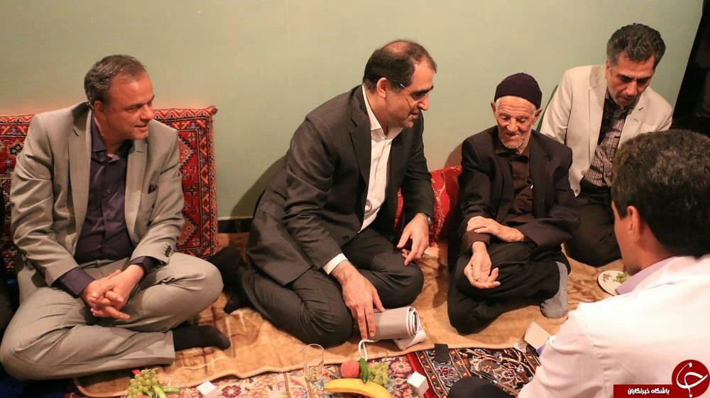 وزیر بهداشت در منزل پدر سردار سلیمانی + فیلم