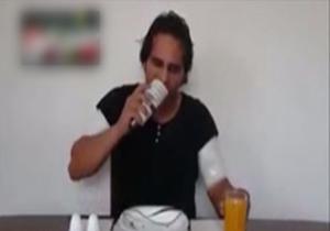 وقتی یک پسر ایرانی لامپ کم مصرف می خورد! + فیلم