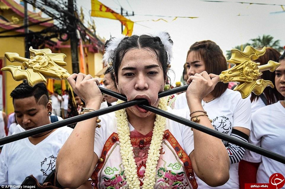 5234813 938 - جشنواره ای وحشتناک در تایلند (عکس +18)