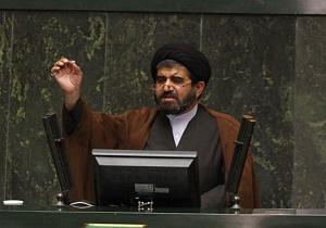 موسوی لارگانی: ظریف در جایگاهی نیست که به نمایندگان مجلس اجازه دهد یا ندهد/ لاریجانی: وزیر نمیتواند برای نمایندگان تعیین تکلیف کند