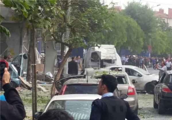 انفجار در نزدیکی فرودگاه استانبول و یک مرکز پلیس 8 زخمی بر جای گذاشت + تصاویر