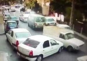 دانلود فیلم رانندگی دیوانه وار پیکان وانت در تهران + علت ماجرا