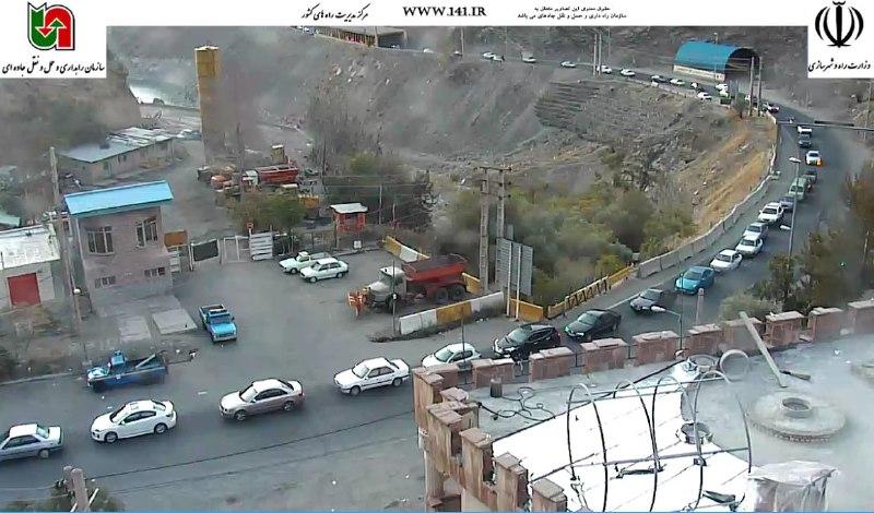 ترافیک سنگین در محور تهران-آمل و کرج-چالوس/آسمانی صاف در تمامی محورهای مواصلاتی+تصاویر