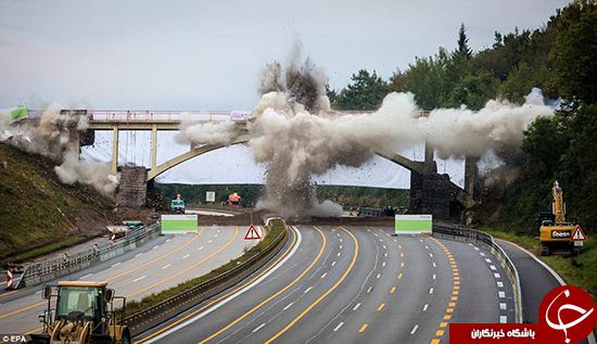 لحظه انفجار پل +تصاویر