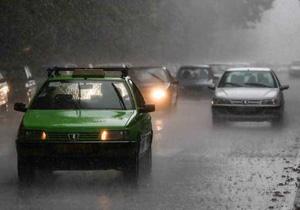 ترافیک نیمه سنگین در جادههای شمالی کشور/بارش باران، مه گرفتگی در اردبیل و گلستان