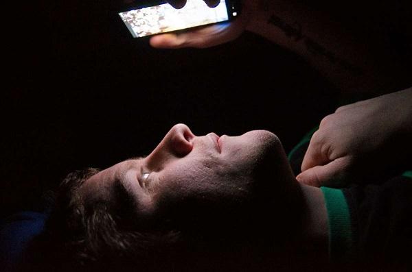 عواقب گشت و گذار شبانه در فضای مجازی