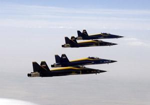 بمباران منطقه توسط جنگنده های صاعقه/سوختگیری هوایی فانتوم ها با پشتیبانی F14