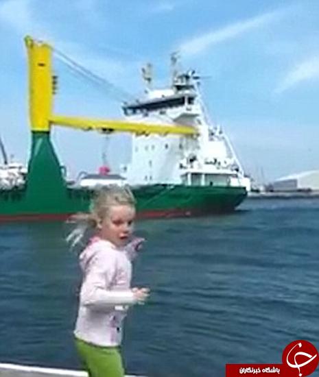 این دختر بچه لحظه خندهداری را رقم زد +تصاویر