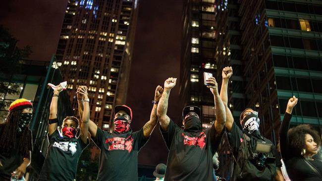 ادامه تظاهرات علیه نژادپرستی پلیس آمریکا برای چهارمین شب متوالی