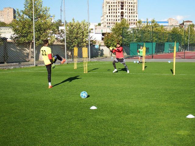 تمرین ١٢٠ دقیقه ای تیم ملی در ایروان + عکس
