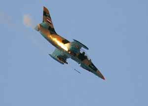 حملات هوایی ارتش سوریه به مواضع تروریستها در حومه دمشق و حما