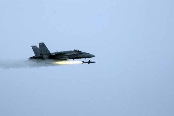 افشای فایل صوتی همکاری آمریکا با داعش/واشنگتن: ما بمباران می کنیم و شما