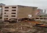 باشگاه خبرنگاران - سقوط مرگبار ساختمان شش طبقه بر روی بیل مکانیکی! + فیلم