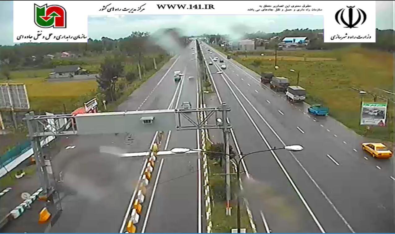 ترافیک نیمه سنگین در آزادراه کرج- تهران/ بارش باران در گیلان و مازندران+ تصاویر