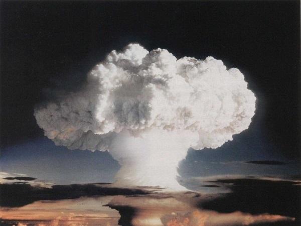 روسوایی جنایات هسته ای آمریکا به گواه تاریخ!