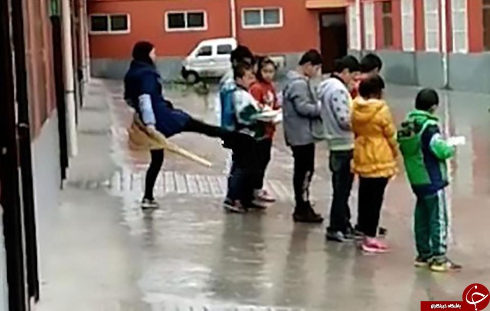 معلم خشمگین دانش آموزان را به باد کتک گرفت+ فیلم
