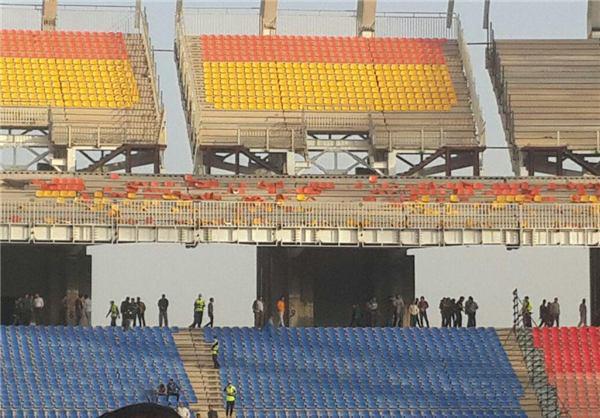 صندلیهای ورزشگاه نقشجهان را باد برد! + تصویر