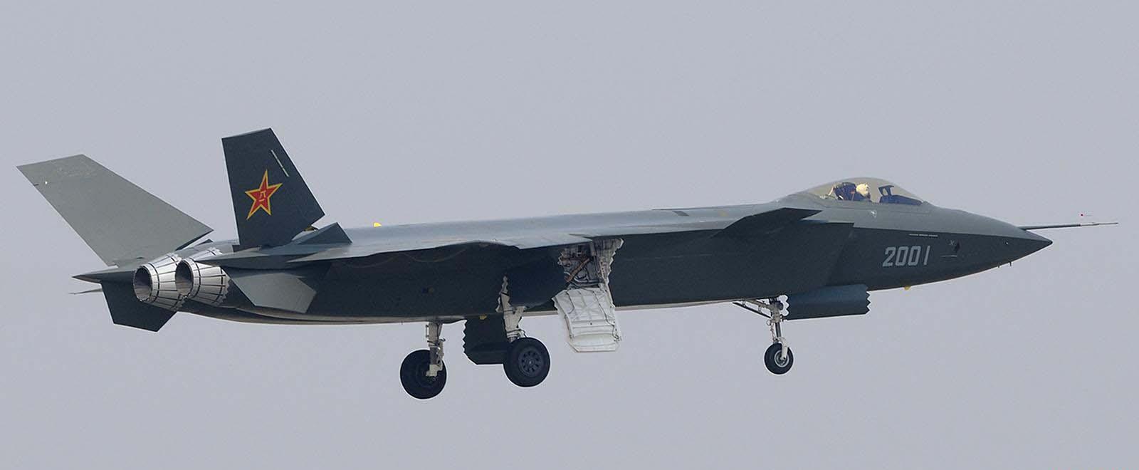 خط و نشان جنگنده J20 برای F22 آمریکایی+  فیلم و تصاویر