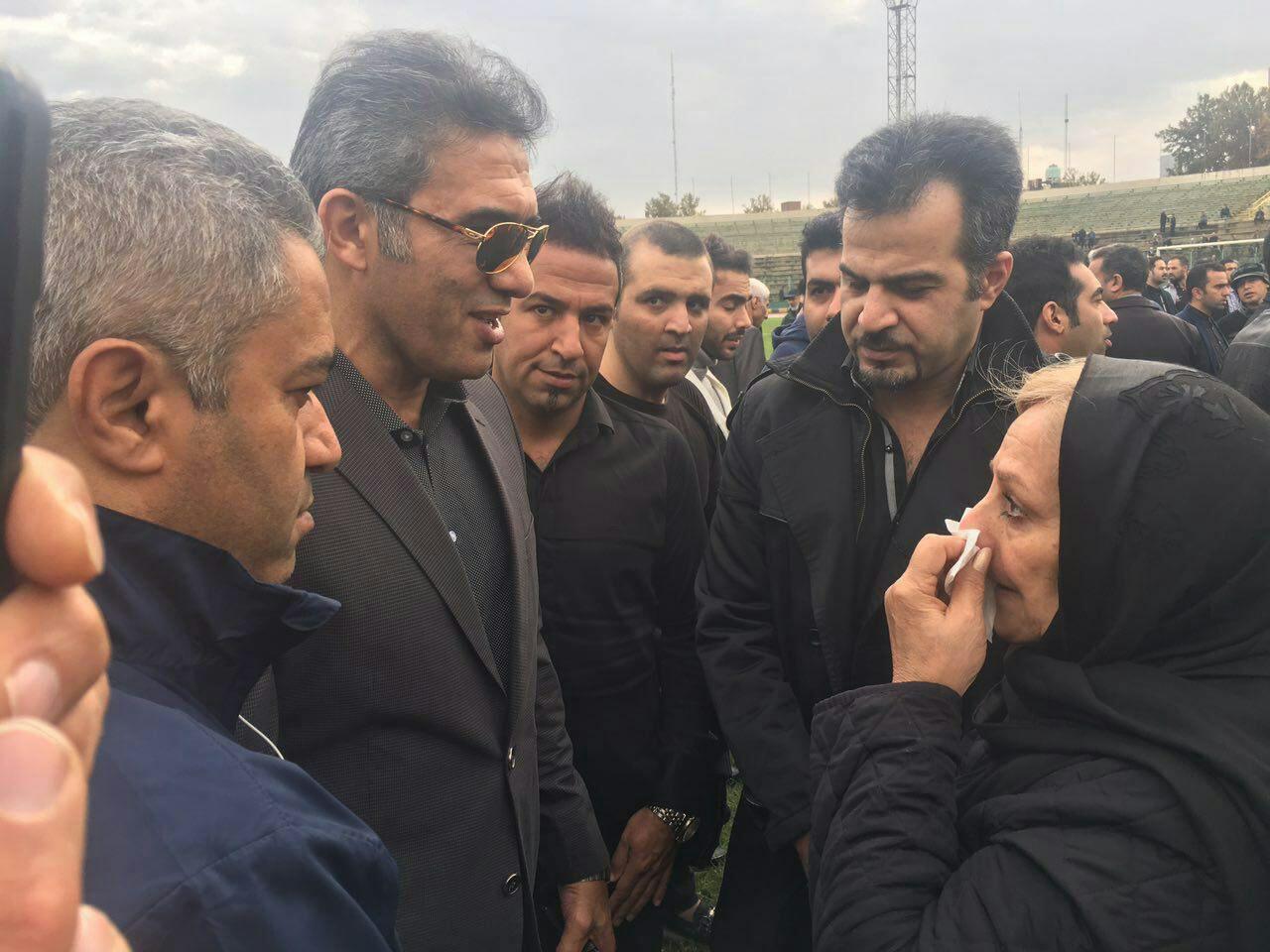 لحظه به لحظه با مراسم تشییع پیکر منصور پورحیدری +عکس و فیلم