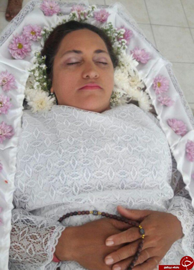 این زن مراسم مرگ خود را شبیه سازی کرد +تصاویر