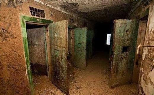 کشف مخوف ترین زندان داعش زیرزمینی داعش در نینوا