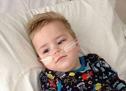 بیماری مرموز در کودکی که پزشکان هنوز نامی برای آن پیدا نکرده اند+تصاویر